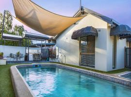 Townsville Holiday Apartments, apartment in Townsville