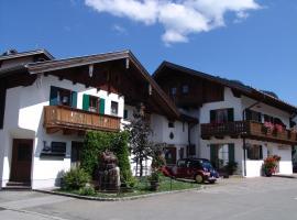 Hotel Ferienhaus Fux, pet-friendly hotel in Oberammergau