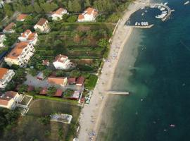 Apartments Adria, room in Biograd na Moru