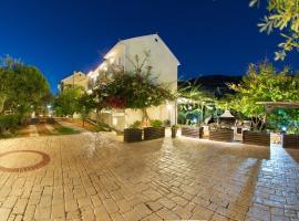 Iris Apartments, hotel near Minies Beach, Minia