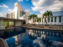 Golden City Rayong Hotel, hotel in Rayong