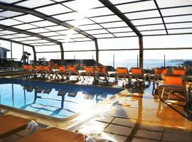Apartamentos Riveiro, hotel cerca de Playa de Areas, Sanxenxo