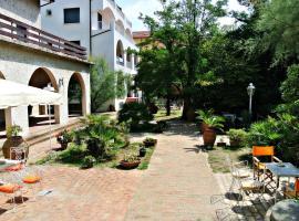Hotel Villa Furia, отель в Беллария-Иджеа-Марина