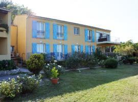 Hotel Les Cavalets, hôtel à Bauduen