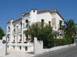 Hotel Pierre Loti, hotel near Marineland Antibes, Juan-les-Pins