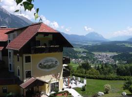 Panoramahotel Hauserhof, hotel in Hermagor