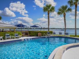 Charter Club Resort Of Naples Bay By Diamond Resorts, hôtel à Naples