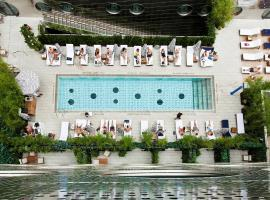 Dream Downtown, hotel with pools in New York