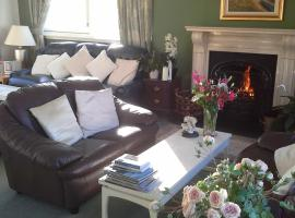 Castlecroft Bed and Breakfast, hotel near Stirling Court, Stirling