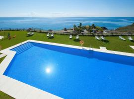 Olée Nerja Holiday Rentals by Fuerte Group, hotel in Torrox Costa