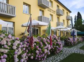 Viktoria Palace Hotel, hotel en Lido de Venecia