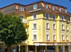Hotel Schlosskrone, hotel in Füssen