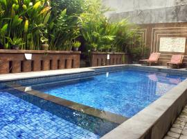 Waringin Homestay, guest house in Kuta
