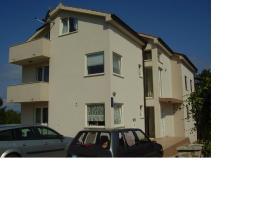 Apartments Nikolina, hotel near Valica Cove, Malinska