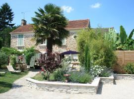 Chambres d'Hôtes Le Petit Nailly, hotel near Saint-Quentin-en-Yvelines, Magny-les-Hameaux