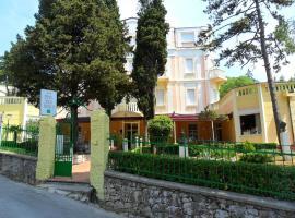 Hotel Vila Ružica - depandanse, hotel u Crikvenici