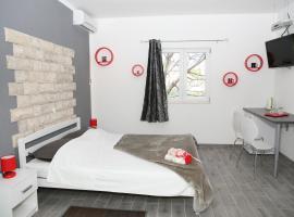 Apartments & Room Dijana, pet-friendly hotel in Trogir