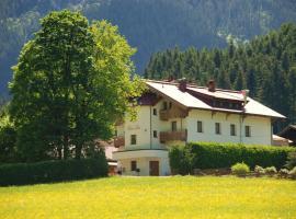 Hotel Haus Tirol, hotel near Rasmusleiten, Brixen im Thale