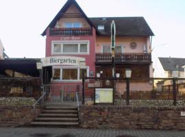 Cafe Rosi, hotel near Natural Park Saar-Hunsrück, Bernkastel-Kues