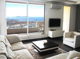 Loft Vue Mer, hotel near CRN2M UMR6231 Research Centre Marseille, Marseille