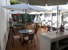 Residencial Las Palmeras, B&B in Iquique