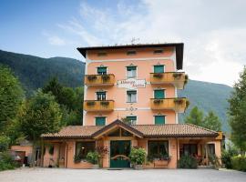 Albergo Italia, מלון במולבנו