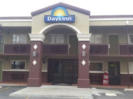 Days Inn by Wyndham Hot Springs, motel in Hot Springs