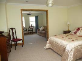 Ivy Hall, vacation rental in Wootton Bridge