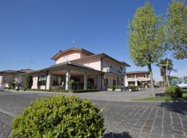 Hotel Ganfo, hotel near Terme Sirmione - Virgilio, Sirmione