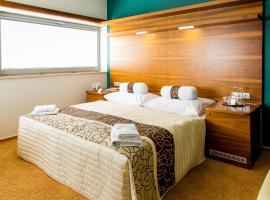 Restaurant & Design Hotel Noem Arch – hotel w mieście Brno