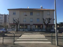 Le Logis Dauphinois、ルシヨン・アニゼールのホテル