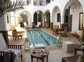 Riad Utopia Suites And Spa, hotel in Marrakesh
