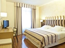 Duran Hotel & Restaurant, hotel near Windoor Realfly, Figueres