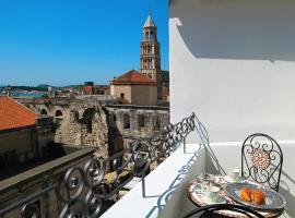 La Porta Luxury Rooms, hotel in Split
