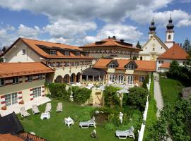 Residenz Heinz Winkler, Hotel in der Nähe von: Hochplattenbahn, Aschau im Chiemgau