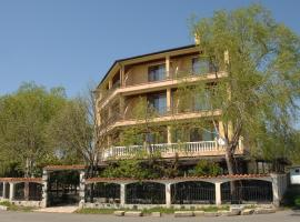 Complex Lipite, guest house in Aheloy