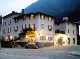 Boutique Hotel Albergo Stazione, hotel in Campocologno