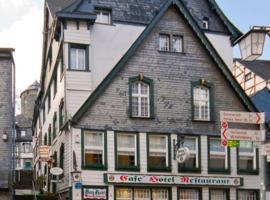Burghotel, guest house in Monschau