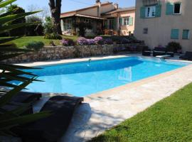 Villa Antoline, hotel near Allianz Riviera Stadium, Cagnes-sur-Mer