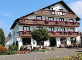 Mittlers Restaurant Hotel, hotel near Hohe Wurzel mountain, Schweich