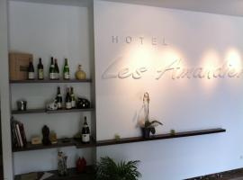 Hotel The Originals Les Amandiers, hôtel à Tournon-sur-Rhône