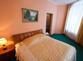 Hotel Kristall, hotel in Khanty-Mansiysk