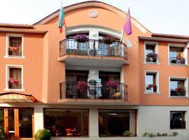 Lucky Hotel, hotel in Veliko Tŭrnovo