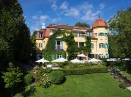 Hotel Seeschlößl Velden, Hotel in der Nähe von: Aussichtsturm Pyramidenkogel, Velden am Wörthersee