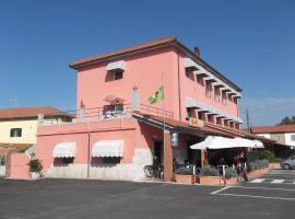 Hotel da Renato, hotel in Albinia