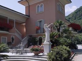 Hotel Villa Delle Palme, hotell i Cannobio