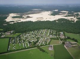 Holiday park Duinhoeve, hotel in Udenhout