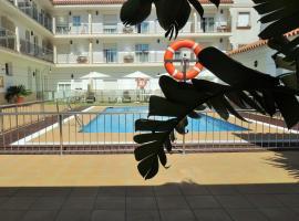 Hotel Apartamentos Loto Conil, hotel en Conil de la Frontera