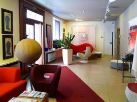 Hotel Colombia, hotel in Trieste