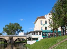 Hôtel L'Esturgeon, hotel near Saint-Germain Golf Course, Poissy